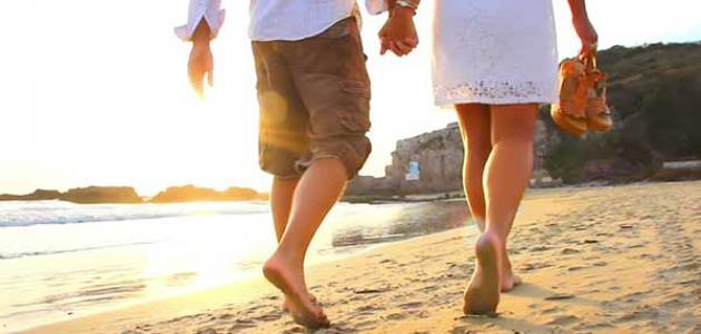 رياضة المشي بأقدام عارية