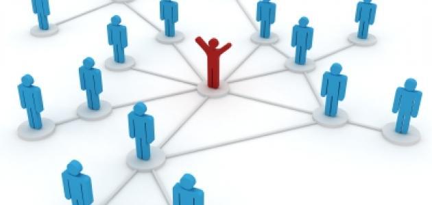 كيف تبني شبكة علاقات قوية في مجال العمل؟