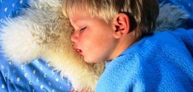 كيف تساعد طفلك على النوم بهدوء؟ (الأطفال بعمر 3 سنوات فما فوق)