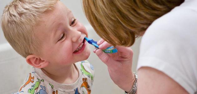 كيف نعتني بأسنان الأطفال؟