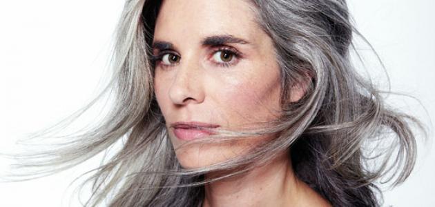 45278506c حقائق عن الشعر الأبيض و كيف التعامل معه - موسوعة وزي وزي