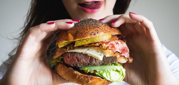 أعراض الإصابة بالإدمان الغذائي