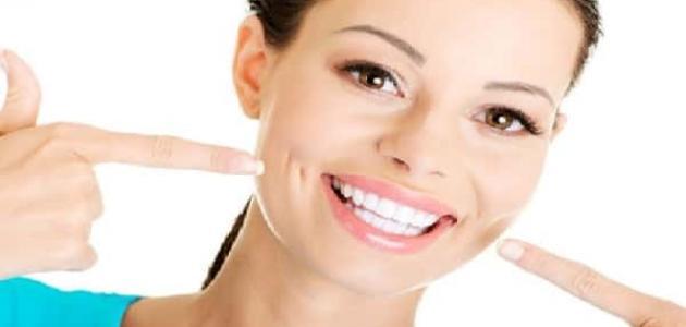 أضرار تبيض الأسنان بالليزر