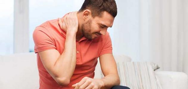 أسباب الصداع وألم الرقبة المزمن