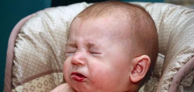 كيف تساعد طفلك الرضيع على تجاوز أعراض نزلات البرد