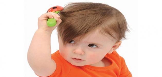 أسباب تساقط الشعر عند الأطفال