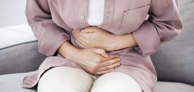 أسباب وأعراض ميلان الرحم