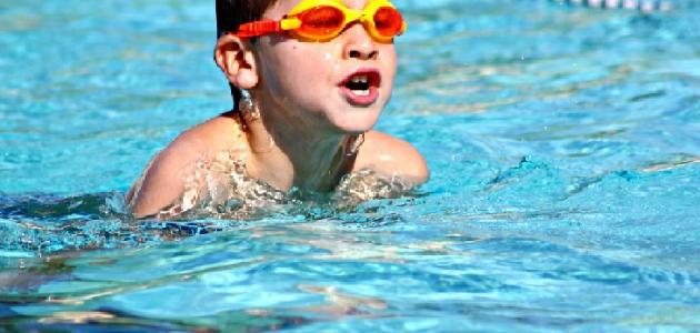 كيفية تعلم السباحة