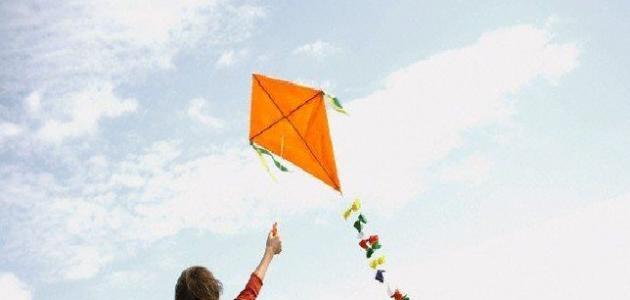 طريقة صنع طائرة ورقية