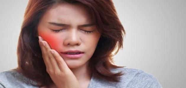 أعراض التهاب الغدد اللعابية