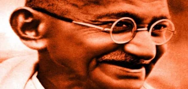 من هو مهاتما غاندي