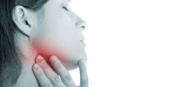 أعراض التهاب الغدد اللمفاوية تحت الفك
