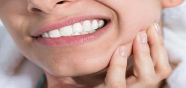 طرق إزالة جير الأسنان من المنزل