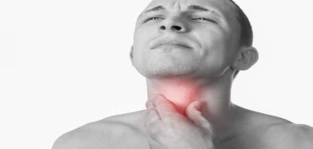 أسباب ألم الحنجرة عند البلع