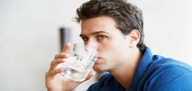 طرق علاج المعدة بالماء