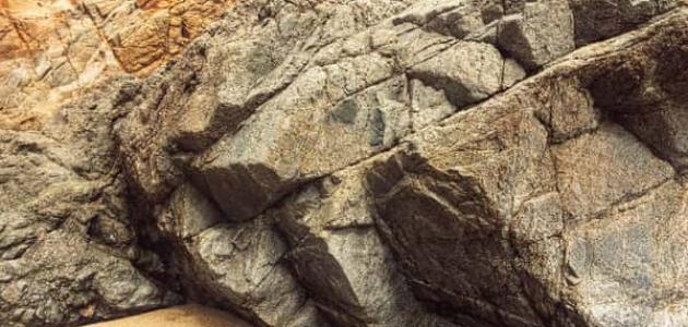 معلومات عن علم الصخور
