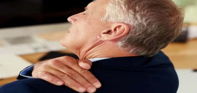 أعراض الانزلاق الغضروفي العنقي