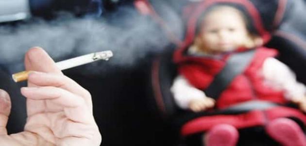 أضرار السجائر على الطفل الرضيع