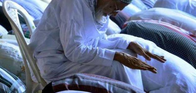 حكم الصلاة جالسًا