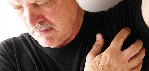 أعراض التهاب الغدد العرقية تحت الإبط