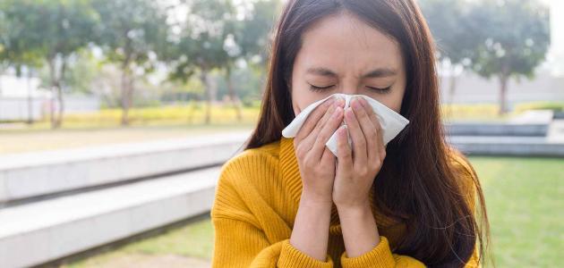 علاج حساسية الربيع للعين