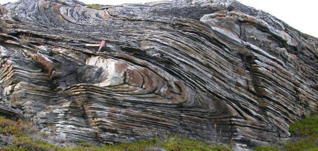 التراكيب الجيولوجية في صخور القشرة الأرضية