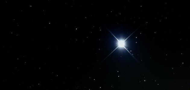 ألمع نجوم السماء