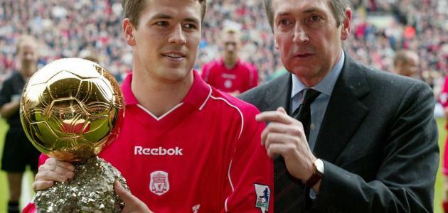 الفائز بالكرة الذهبية 2001