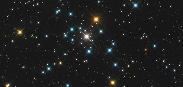 كم عدد النجوم في السماء